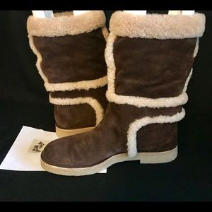 ** SALE** LV fur lined mid-calf boots